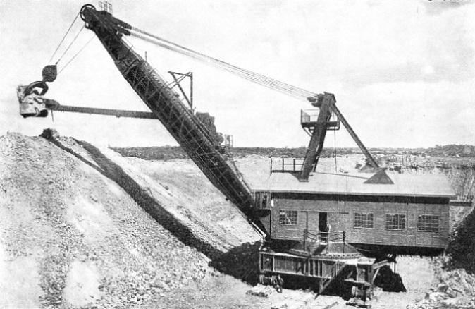 Один из первых экскаваторов на электрическом двигателе